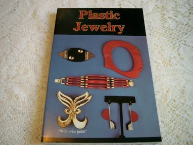 Vintage Collector Book Plastic Jewelry Costume Jewelry