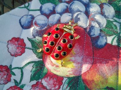 Vintage Trifari Lady Bug Beetle Brooch Pin